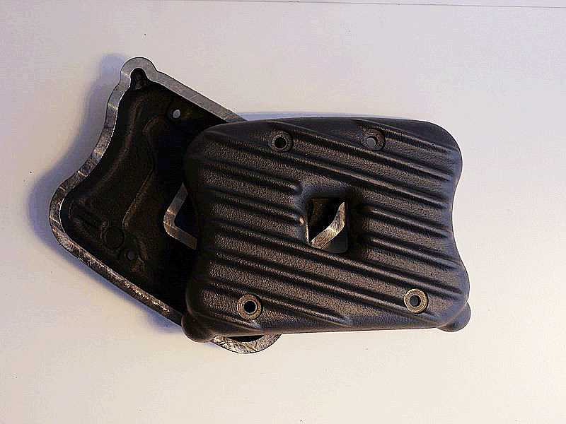 SPORTSTER 04 & UP RIBBED ROCKER BOX COVERS...